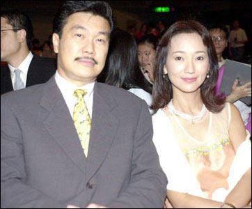 赵雅芝/赵雅芝和丈夫黄锦燊幸福出镜