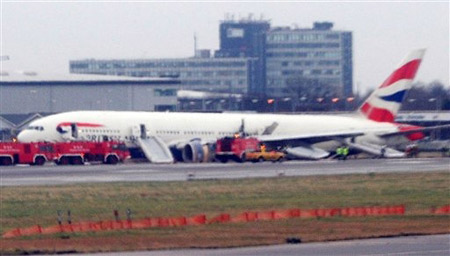 从北京飞往伦敦英航飞机在伦敦迫降