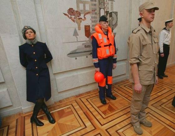 俄军女兵冬常服、海军士兵、陆军作训服-俄新军服顶级设计师操刀 沿