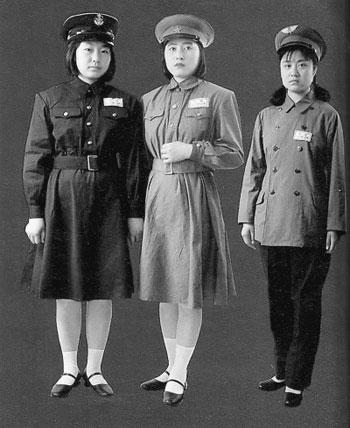 陆军夏服(连衣裙)、空军冬服-中国人民解放军军服变迁 从南昌起