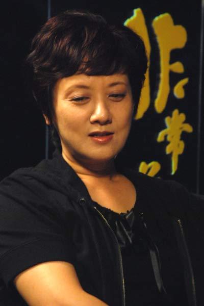 20年前邓婕因个子矮被红楼剧组折磨(图)图片