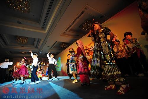 五彩传说再度呈现异域风采 喀什噶尔的孩子们