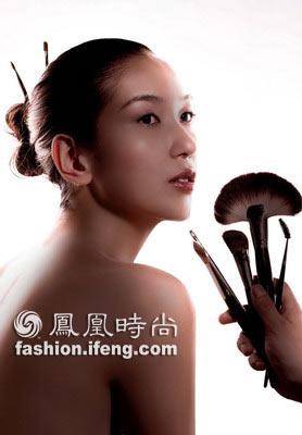 星级妆容造型长头发步骤