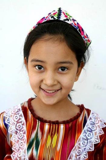 古丽娜扎尔 11岁图片