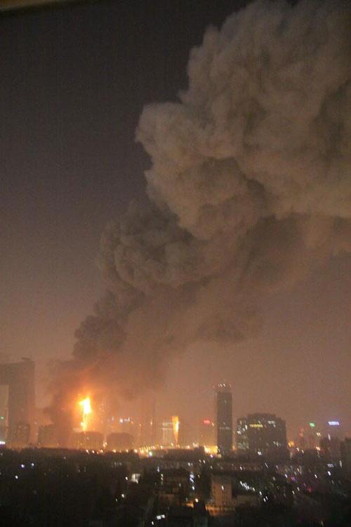 中央电视台资讯_中央电视台新址发生大火[组图]_资讯_凤凰网