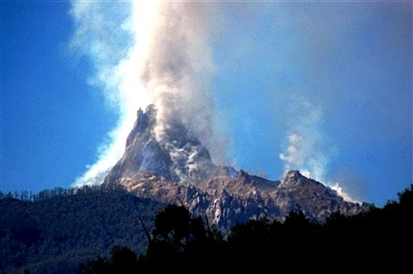 智利火山爆发南美洲最活跃的火山冒险爱好者的最佳去处智利普孔的冒险仙境燕京八景