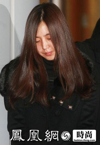 流氓燕人体照片_韩国女演员张子妍自杀