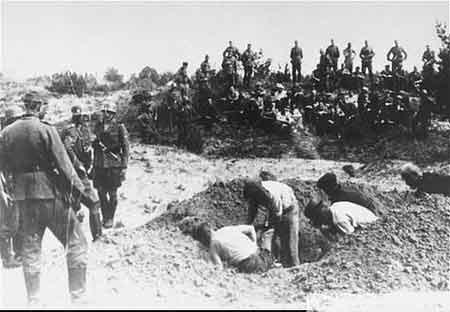 挖坑以后枪决掩埋