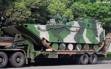 图为新型两栖突击指挥车