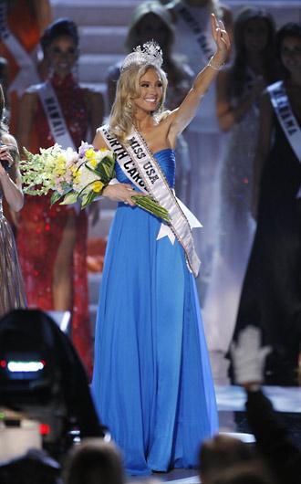 4月19日,2009美国小姐选美比赛在著名赌城拉斯维加斯举行,北卡罗来纳佳丽Kristen Dalton夺冠。