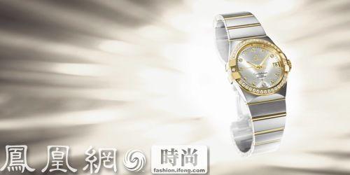 形象位于品牌海报或平面广告之上,旁边是欧米茄星座95系列的腕表图像