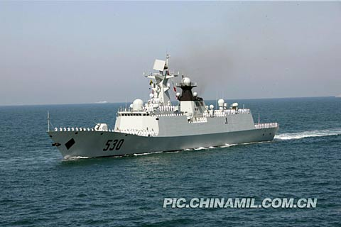 中国决定再派出两艘054隐身护卫舰前往亚丁湾