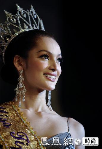 磁县最出名的小姐_泰国20岁大学生夺得最美人妖小姐
