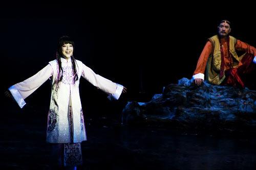 """黄渤力 尹韬/""""刘备/孙尚香畅想""""男人是江、女人是海。"""