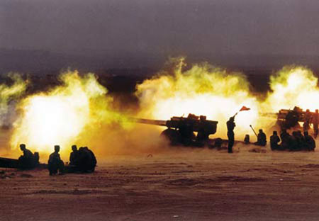 胡锦涛/解放军榴弹炮加农炮有85、122、130、152,坦克炮有85、100,...