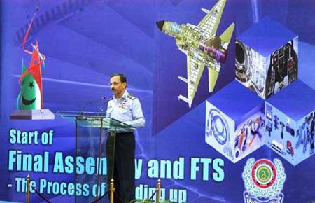 美媒:枭龙已达F-16水准 又获阿塞拜疆等三国订购