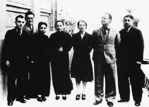 宋氏三姐妹和蒋介石在一起的珍贵合照图片