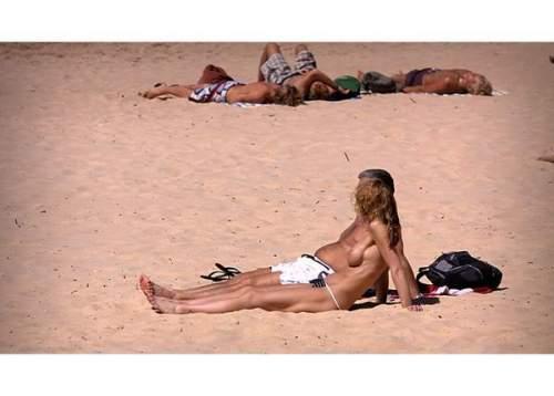 澳洲天体海滩春色满园