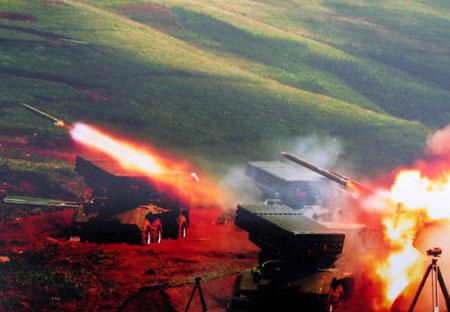 直击解放军精确打击:指令无声 反应时间仅一秒