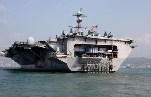 """美国""""乔治•华盛顿""""号航母经停香港"""