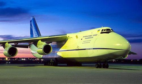 作为新一代大型运输机,安-124充分考虑了用于民航运输时的适航性,噪音