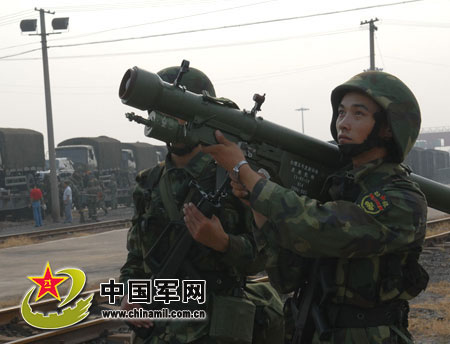 解放军陆军部队的便携式防空导弹(中国军网图)-美售台MQ 1C先进