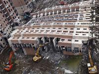 上海倒楼清理工作遭购房者阻挠被迫停止[图集]