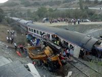 土耳其火车事故造成23人伤亡[图集]