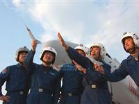 三军精锐汇聚国庆阅兵空中梯队 训练标准秒米不差