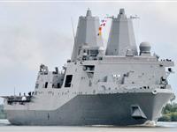 911世贸中心废墟钢材建成的军舰首航纽约[图集]