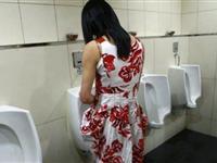 女用小便器问世 女性也可站着方便[图集]