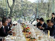 温家宝总理为美国总统奥巴马举行工作午宴[图集]