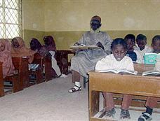尼日利亚88岁小学生想拿博士学位[图集]