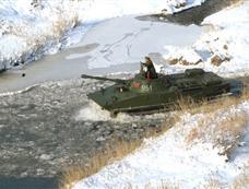 金正日视察朝鲜105坦克师[图集]