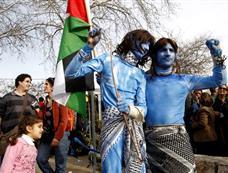 巴勒斯坦示威者仿效《阿凡达》抗议以军[图集]