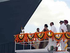 """印度第三艘6800吨国产隐身驱逐舰""""金奈""""号下水"""