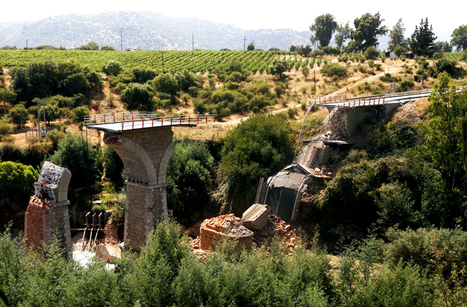 2010年智利8.8级地震框架结构