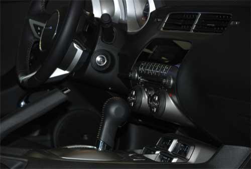 大黄蜂2010款量产版Camaro亮相雪佛兰展台