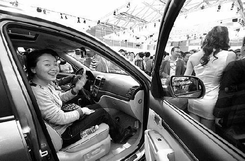 100辆车有15辆是浙江牌 逛车展的浙江人真不少