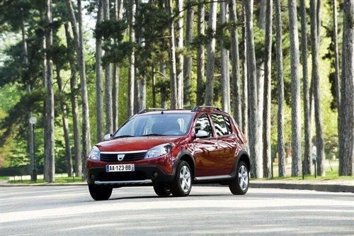达契亚新款小型跨界车9月海外将上市(2)