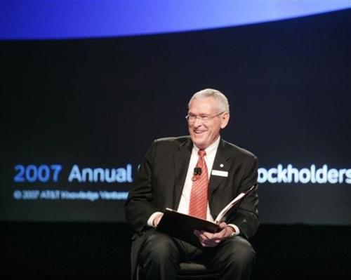 AT&T前CEO将在通用汽车重组后任董事长