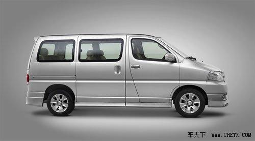 售价15.98万元 阁瑞斯-睿翔成都车展上市