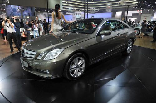 奔驰新E-coupe车型亮相成都车展 售82.2万