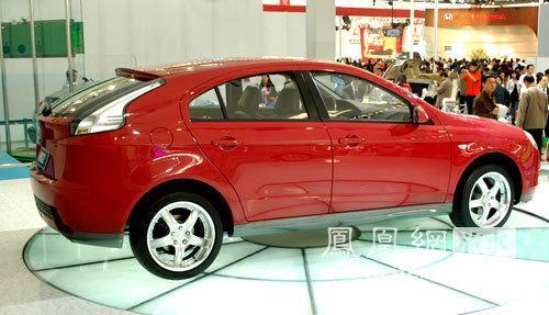 长安志翔两厢版11月上市 预计售价8万以内