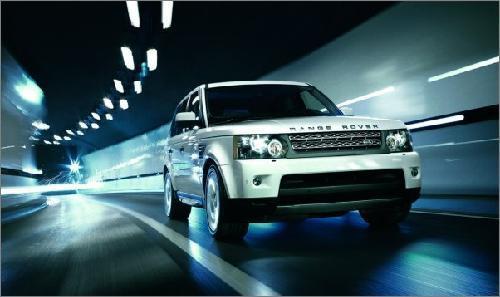 2010款路虎率先到店 首批订单客户提车