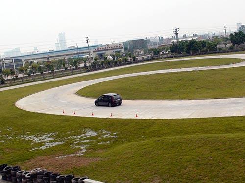 """""""景逸TT""""快乐方程式 全国试驾赏车会"""