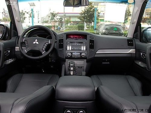 \[上海\]进口帕杰罗3.0L车型在沪购现车无需等待