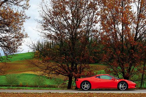 人神共体——试驾法拉利458 Italia