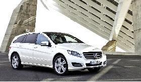奔驰发布2011款R级 新车将于北京车展亮相