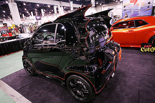 拍卖也跟风 奔驰Smart蝙蝠车起价不到2000